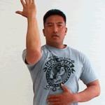 김 博暁 「 견 갑 골의 움직임을 인출 한다 」