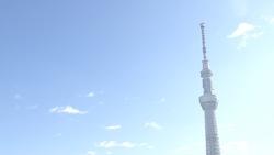 東京スカイツリーと青空