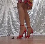 Under the strappy heels-1 (大きなお姉さん①)