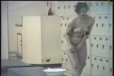 这个令人尴尬的姿势裸直到彻底 !