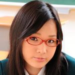 Dark-haired female school students shirasagi YUI